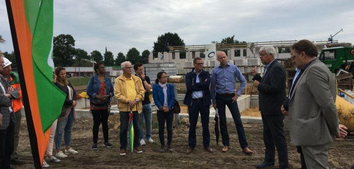 Feestelijke startbouw van 22 energieneutrale woningen Rodenburg in Heeswijk-Dinther