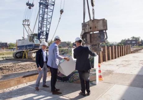 Feestelijke start bouw slotstuk Defensie Eiland in Woerden