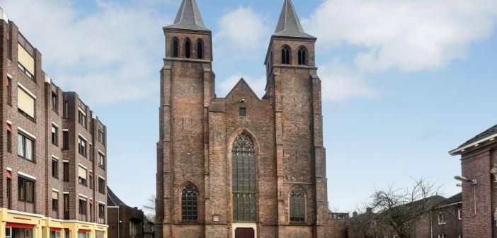 Particuliere belegger koopt Sint Walburgiskerk in Arnhem