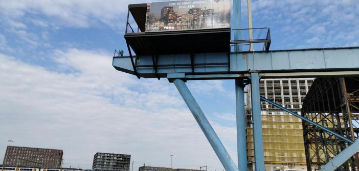 Modelwoning Oostenburg op 15 meter hoogte geplaatst