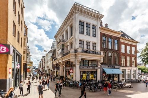 Particuliere beleggers kopen Groningse winkelportefeuille van DELA Vastgoed