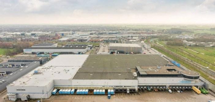 Hoogvliet verkoopt twee distributiecentra aan HighBrook Investors