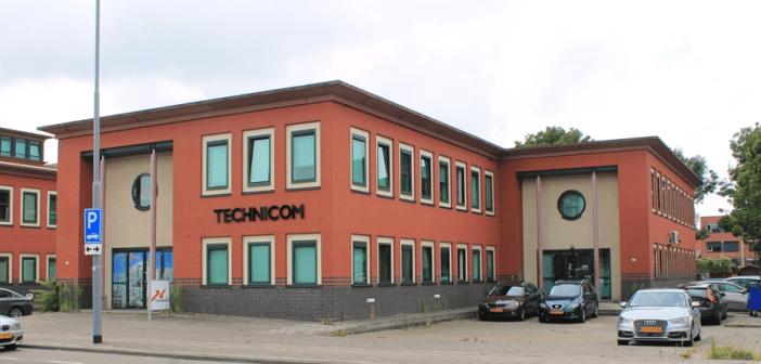 Recentelijk is het kantoorgebouw aan de Koddeweg 43-45 te Hoogvliet Rotterdam verkocht