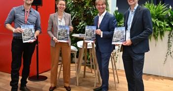AM en Merosch overhandigen whitepaper over klimaatadaptief ontwikkelen: 'Klaar voor het klimaat!' aan gedeputeerde Provincie Zuid-Holland