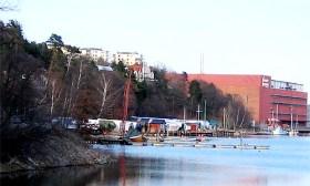 Svindersviken och Gäddviken i Nacka - båtklubbar, teatermuseum och Operans / Dramatens verkstäder