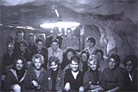 Grottan hette en ungdomsklubb på Kvarnholmen, där ungdomarna på 50- och 60-talet samlades i ett ombyggt skyddsrum för att lyssna på musik, dansa, snacka...
