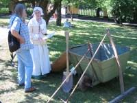 Trädgårdsmästare i historiska kläder på Svindersviksdagen