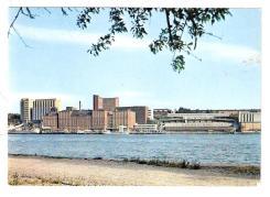 Vykort med Kvarnholmen på 60-talet taget från Djurgården
