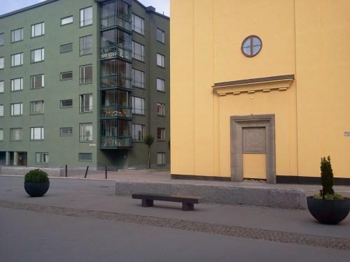 sittbänk på Mannagrynstorget i Saltsjöqvarn