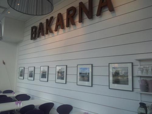 digitala målningar av göran billingskog på bakarna kafé