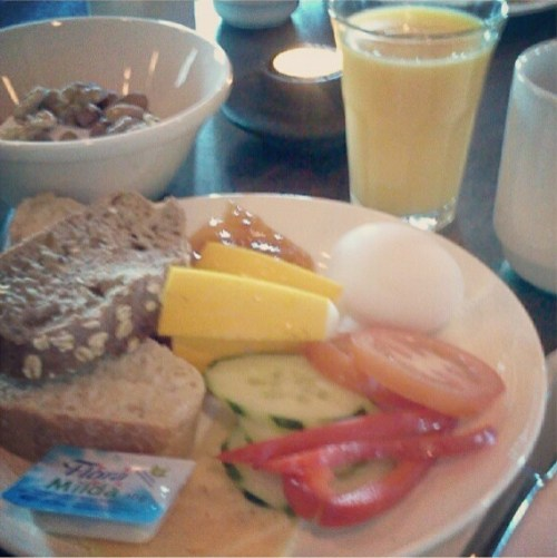 Frukostbuffé på Elite Hotel Marina Tower i Saltsjöqvarn
