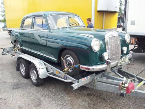 Mercedes 219 från 1958 i Saltsjöqvarn AB:s tjänst