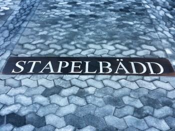 Gatsten påminner om stapelbädd i Finnboda