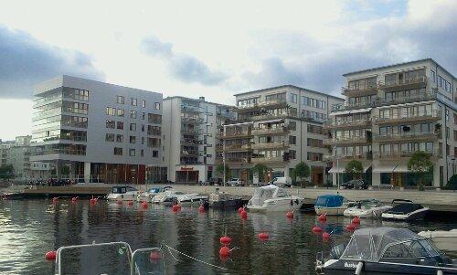 Jan Inghes torg i Henriksdalshamnen