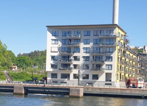 Polisen och Räddningstjänsten undersökte misstänkta brottsplatsen i Henriksdalshamnen