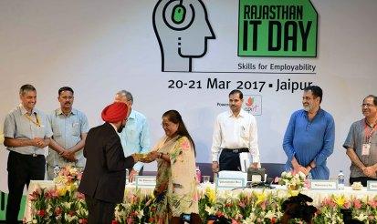 vasundhara-raje-rajasthan-it-day-21March2017-CMP_1858