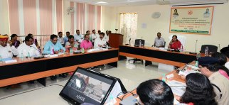 cm-at-district-level-officers-meeting-in-Ajmer-secondary-education-board-CMA_3535