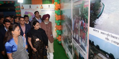 cm-exhibition-beti-bachao-yojna-bjp-meeting-surajgarh-junnjhunu-CMP_9440