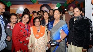 cm-exhibition-beti-bachao-yojna-bjp-meeting-surajgarh-junnjhunu-CMP_9473