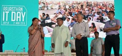 rajasthan-it-day-awards-chief-minister-vasundhara-raje-CMP_6568