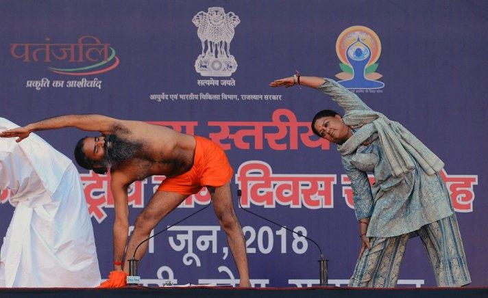 yoga-day-kota-vasundhara-raje-baba-ramdev-CMA_9521
