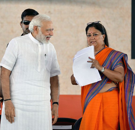 narendra-modi-and-vasundhara-raje-jaipur-beneficiaries-meeting-CMP_7770