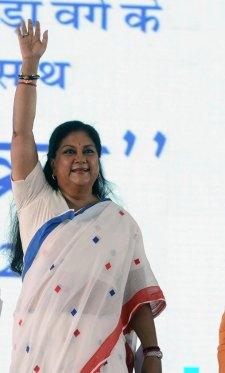 vasundhara-raje-launch-inauguration-bhamashah-digital-family-yojana-CMP_5115