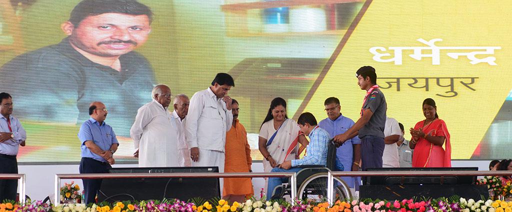 vasundhara-raje-launch-inauguration-bhamashah-digital-family-yojana-CMP_5171