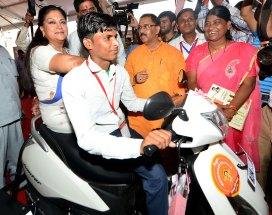 vasundhara-raje-launch-inauguration-bhamashah-digital-family-yojana-CMP_5574
