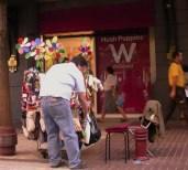 Escenas callejeras del Centro de Santiago