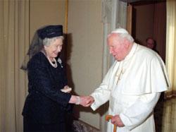 Queen Elizabeth II knights Shimon Peres: Both Serving the Vatican Pope-JPII-with-Elizabeth-II-2005