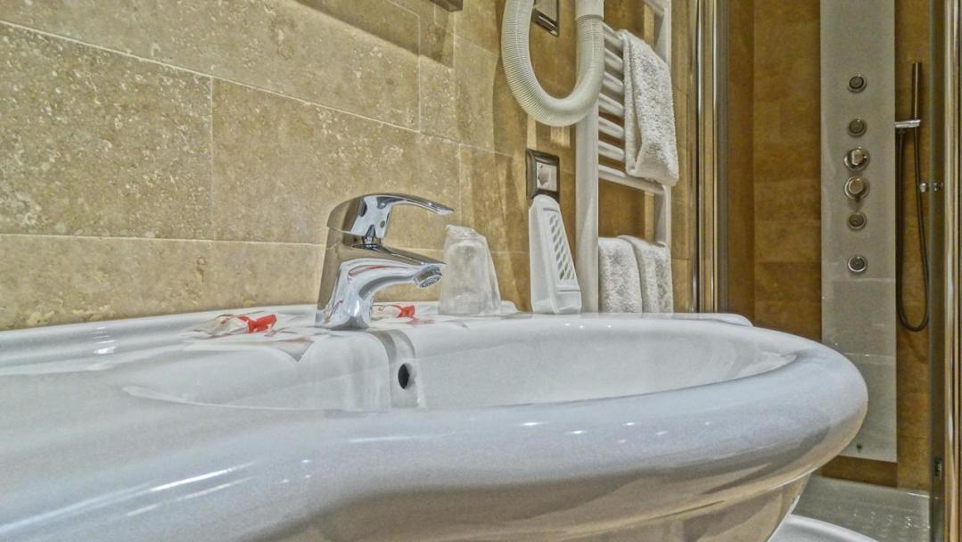 Vaticano Royal Suite Guest House 76236630