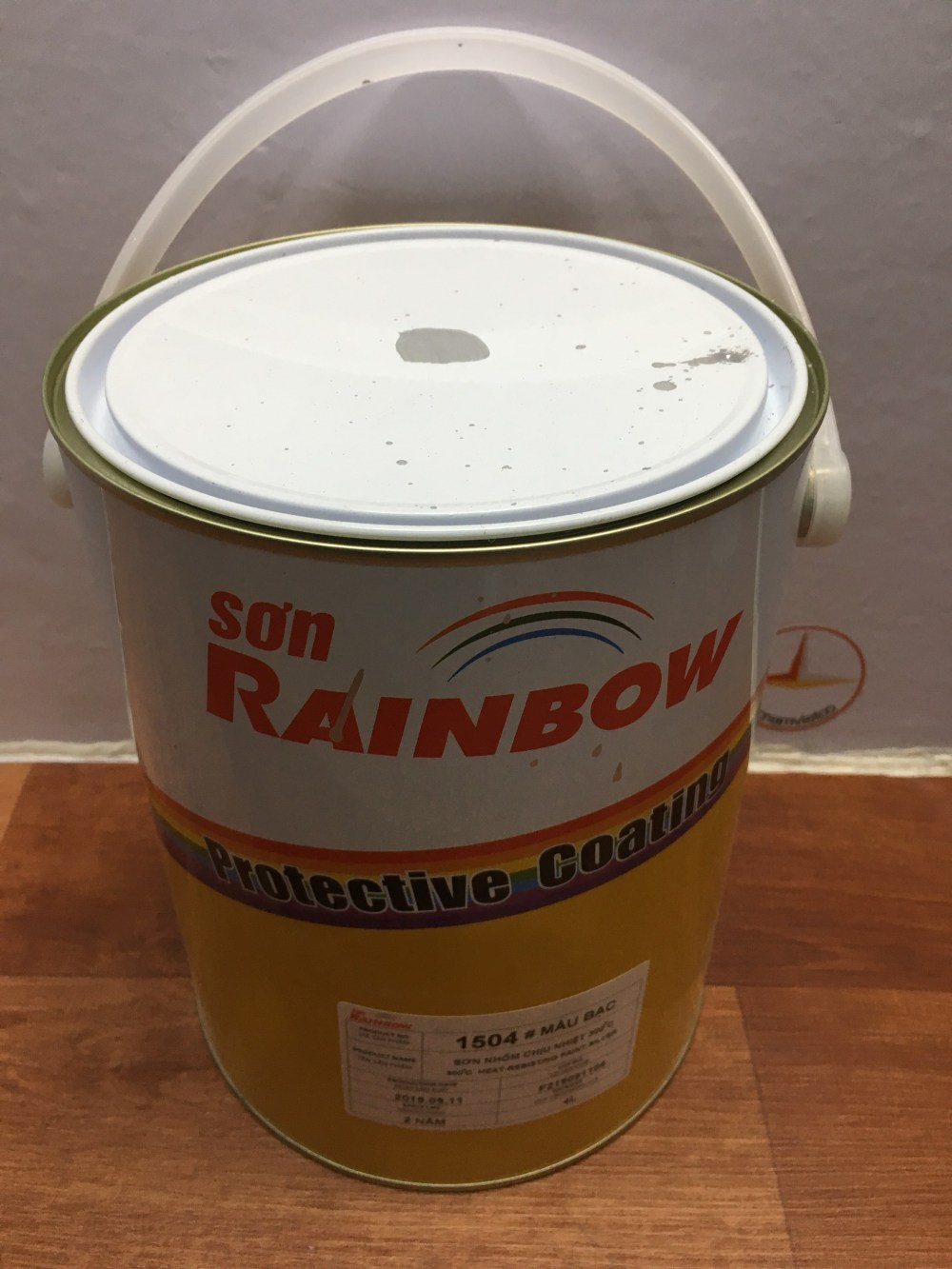 SON NHOM CHIU NHIET 300 DO C RAINBOW 1504 BAC -4L (4)
