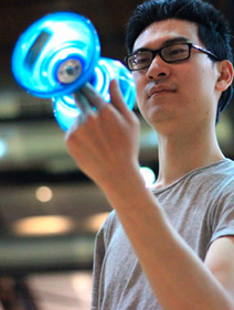 Robin Hu began juggling in 2005.