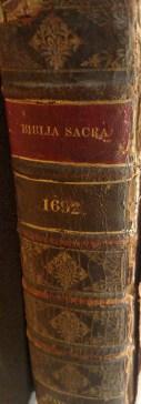 Biblia Sacra spine
