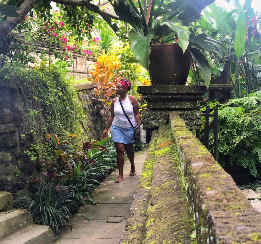Black Solo Traveler Ubud, Bali. how do solo travelers get such good pictures http://vaycarious.com
