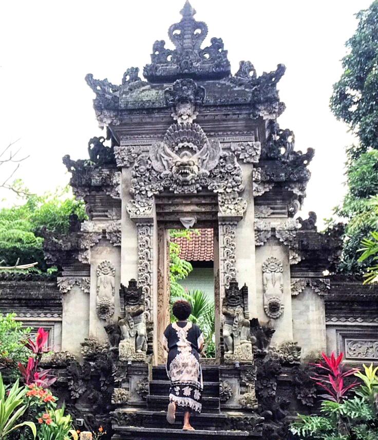 Steps in Ubud, Bali https://vaycarious.com/2017/01/21/goals