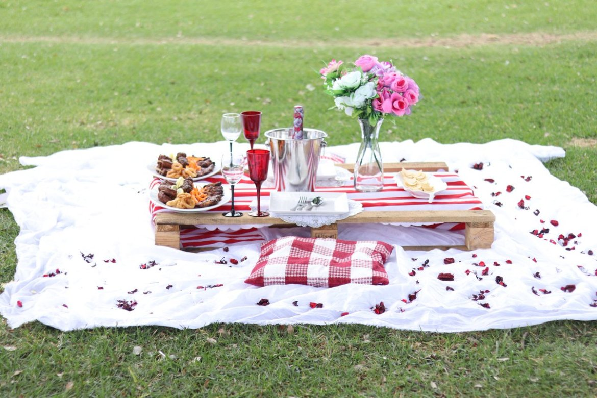 5 Essentials To Picnic The National Happiness Happens Day.