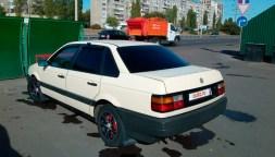 Volkswagen Passat B3 — вид сзади