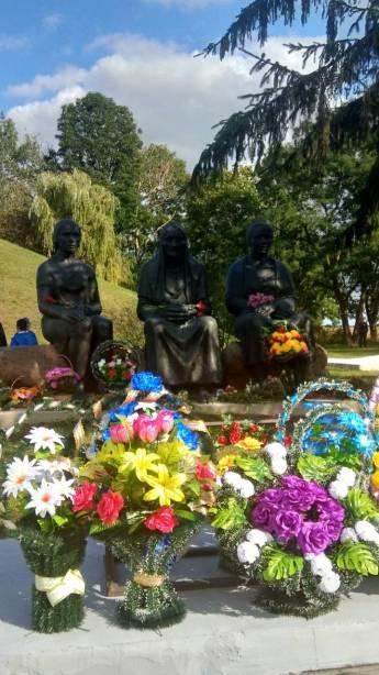 Дремлево, 11 сентября: возложение цветов «в рамках митинга»