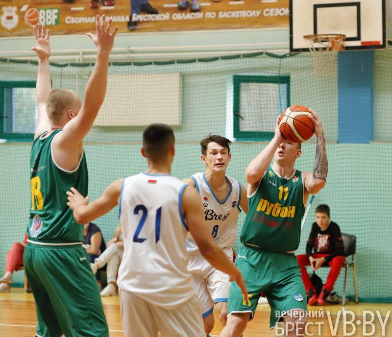 Сборная Брестской области по баскетболу начала чемпионат Беларуси с крупного поражения