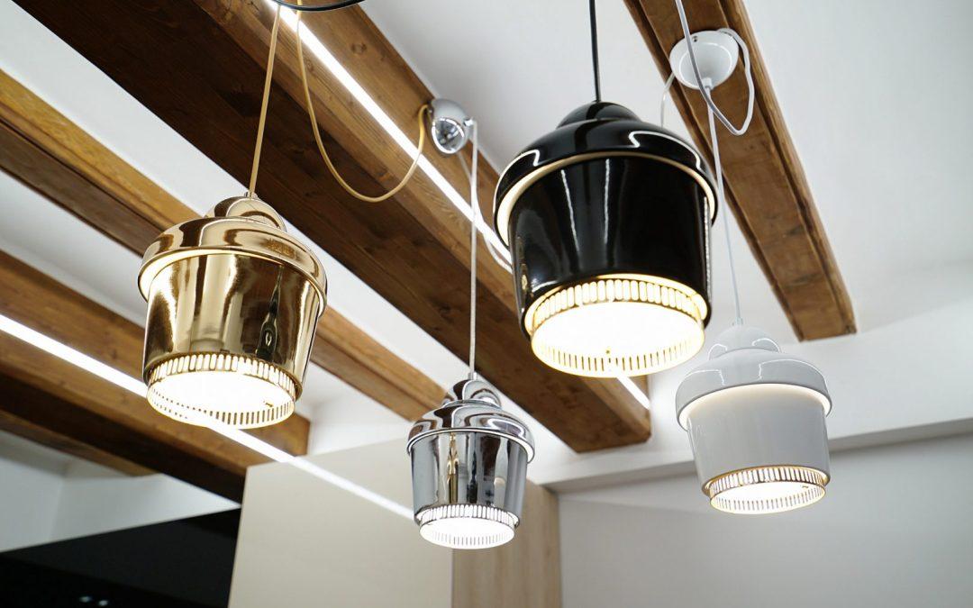 Renovating ceilings using wooden beams: Looking up high