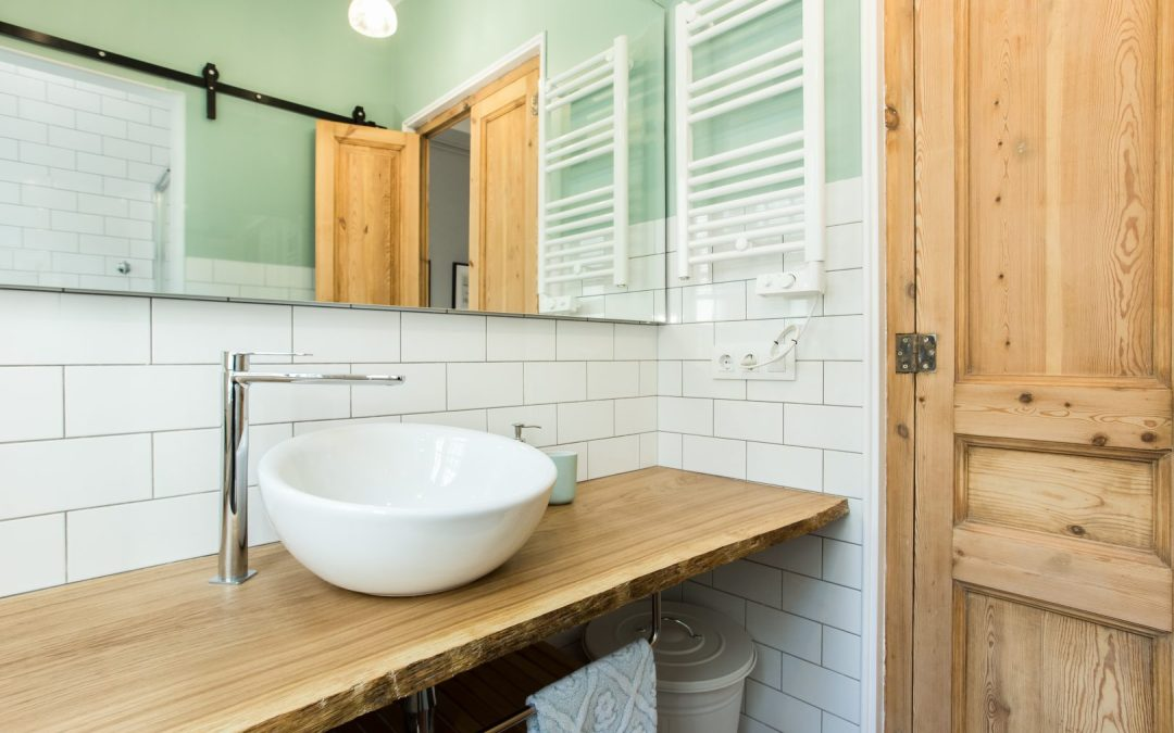 How to renovate a bathroom so that it has a special charm? 5 key elements to consider