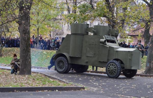 До 101-ї річниці проголошення ЗУНР організували театралізоване військово-історичне дійство