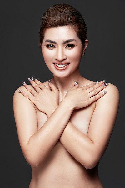 Nguyễn Hồng Nhung chụp ảnh bán nude. Ảnh: Milor Trần.