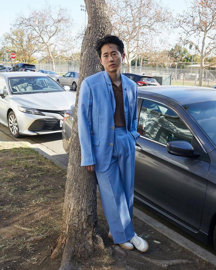 Diễn viên Steven Yeun trên tạp chí W.