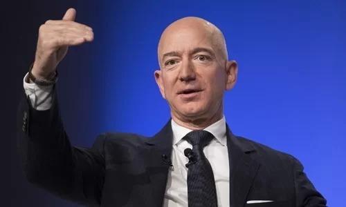 Jeff Bezos - ông chủ đại gia bán lẻ Amazon.Ảnh: AFP