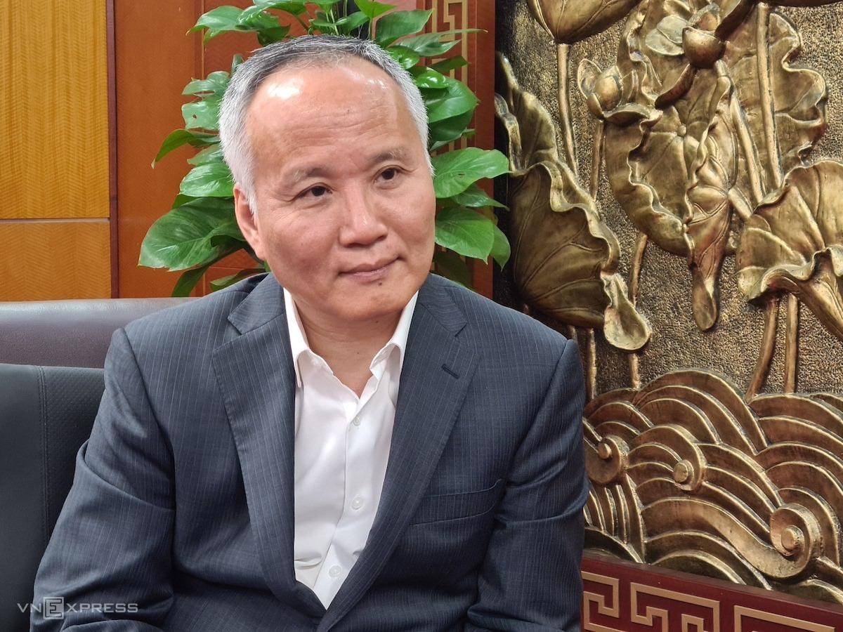 Ông Trần Quốc Khánh - Thứ trưởng Công Thương trả lời báo chí ngày 25/3. Ảnh: Hoài Thu