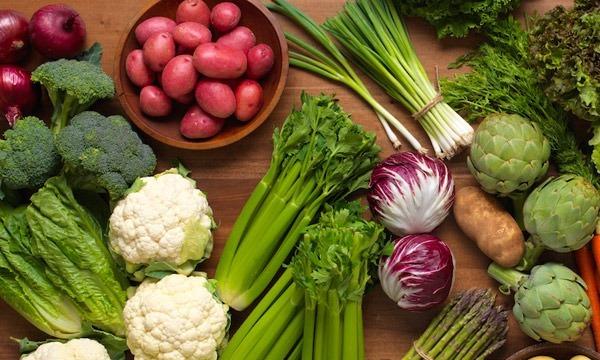Bổ sung đa dạng các loại rau củ cho cơ thể.