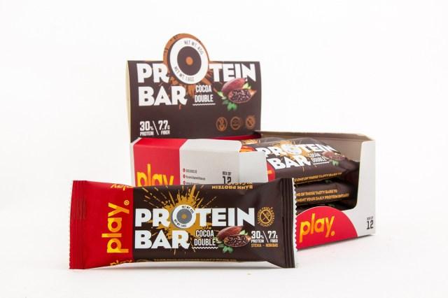 Thanh protein PLAY giúp cơ thể phục hồi nhanh chóng sau khi chạy bộ.